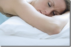 breast-feeding-mom-more-sleep
